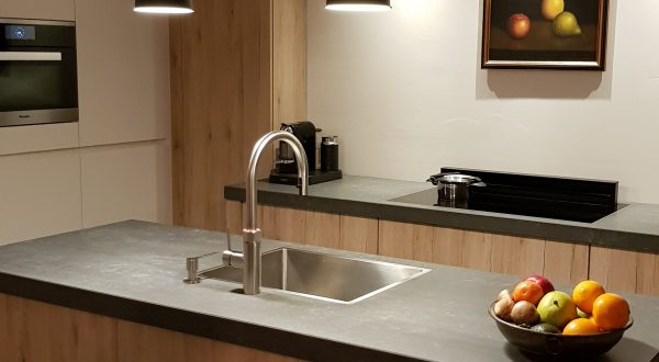 Moderne warme keuken